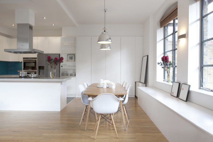 Contemporary-Kitchen-Idea-With-White-Modern-Dining-Chairs