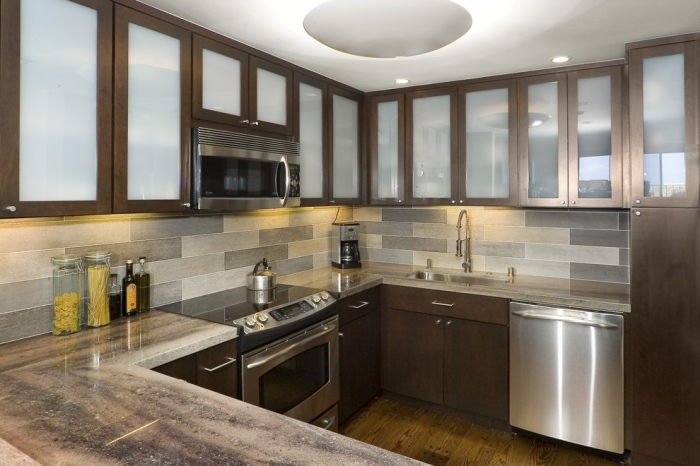 Contemporary-Kitchen-with-rough-glass-tile-back-splash