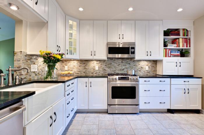 Cream-White-Traditional-Kitchen-Remodel-Idea