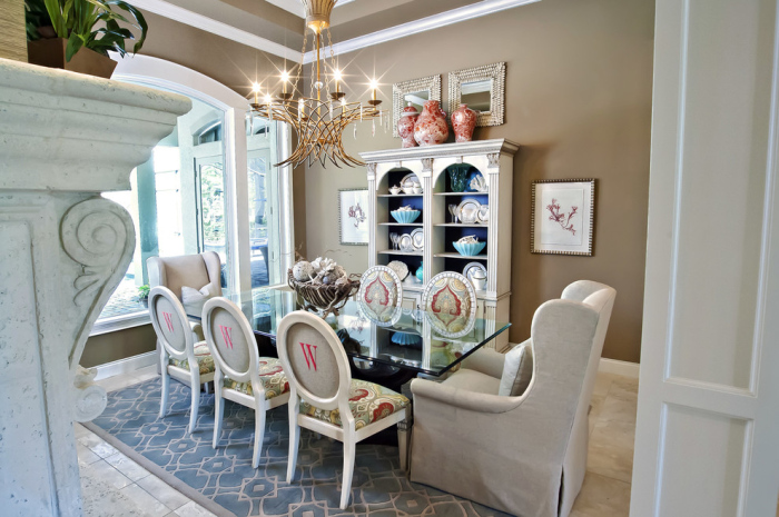 A-colourful-dining-room-with-the-glass-dining-table