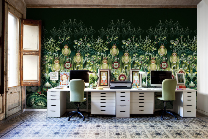 Eclectic-home-office-with-a-garden-design-wallpaper-design