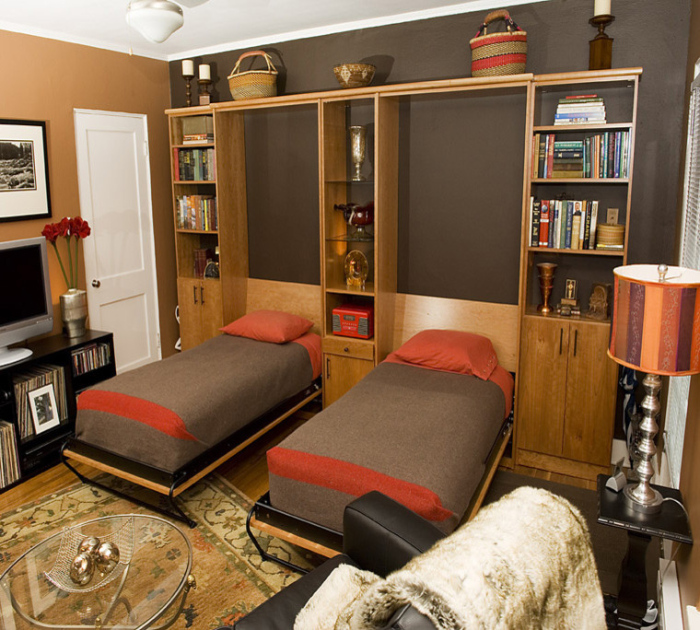 Eclectic-home-office-with-two-foldable-office-beds-idea