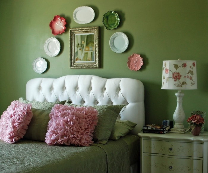Green-white-and-pink-bedroom-with-the-big-comfy-bed