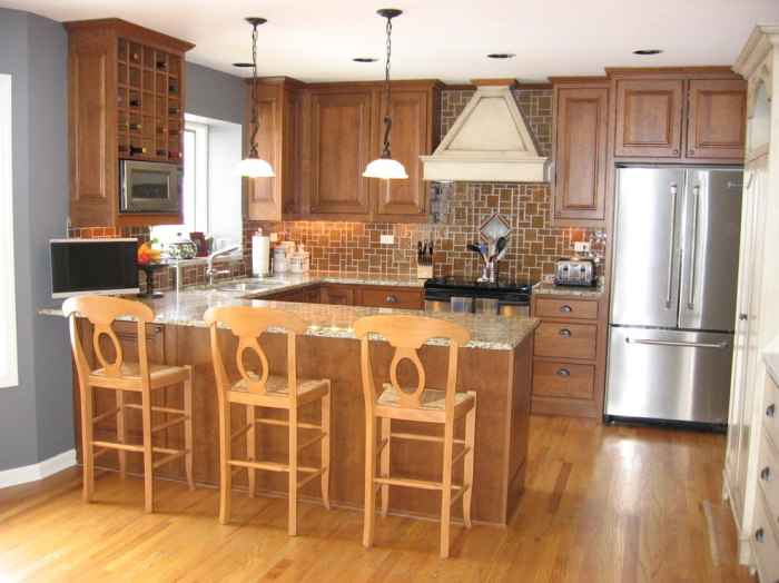 Traditional-G-shaped-Kitchen-layout-idea