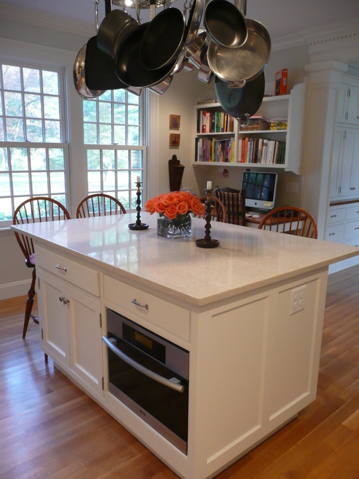 Traditional-Kitchen-with-microwave-fitted-in -the-lower-panel-of-the-table