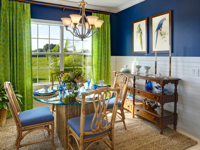 Tropical-dining-room-with-coloured-green-curtains-design-idea