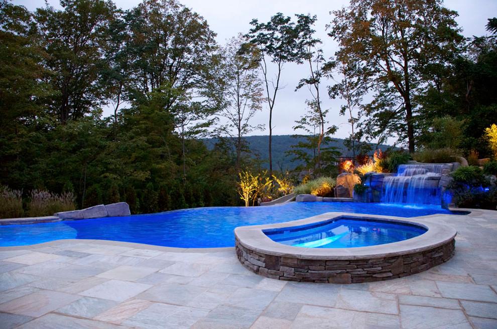 10 Infinity Swimming Pool Designs
