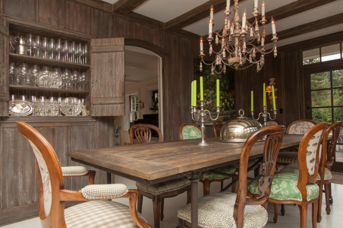 White-grey-wooden-dining-room-with-a-rectangular-dining-table