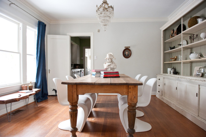 White-dining-room-with-a-Brazen-dining-table