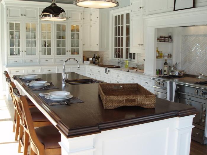 White-dark-Contemporary-Kitchen-Remodel-Idea
