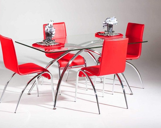 Sturdy Yet Contemporary Kitchen Table And Chairs