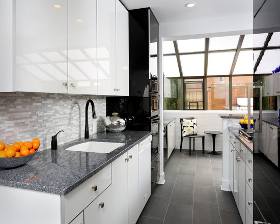 White-and-grey-contemporary-kitchen-lighting-idea