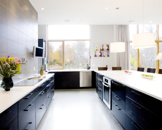White-and-black-modern-kitchen-lighting-idea