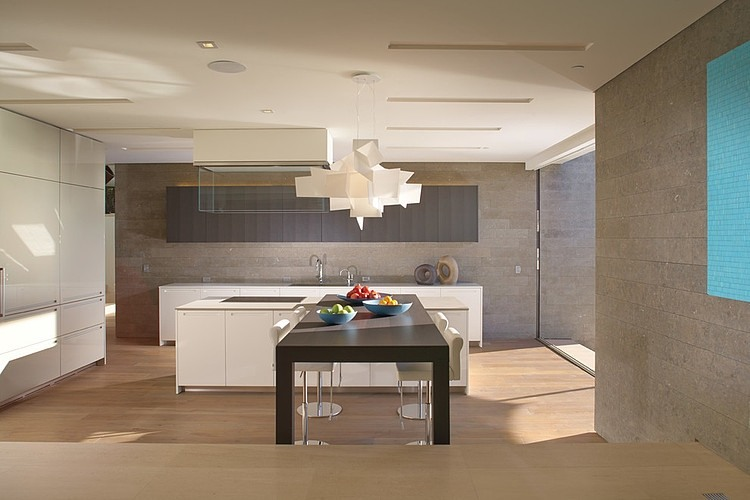 modern kitchen design in the rockledge residence