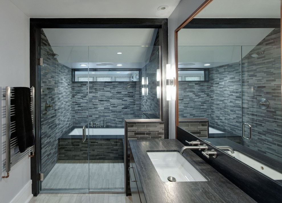 10 wet room designs for small bathrooms for Shower over bath ideas