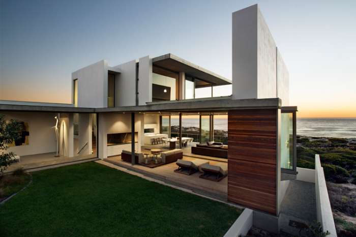 Modern-exterior-with-the-side-view-of-the-cottage