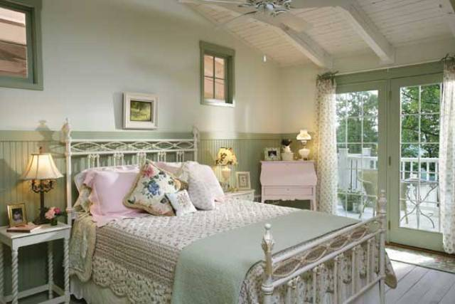 10 country cottage bedroom decorating ideas for Chambre style shabby chic