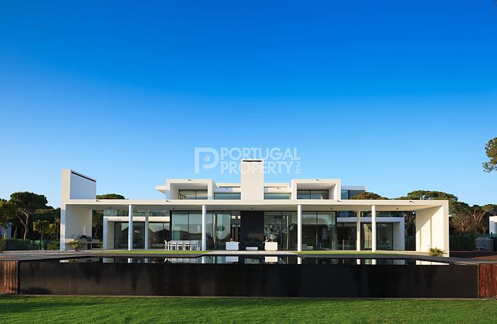 modern house extrior