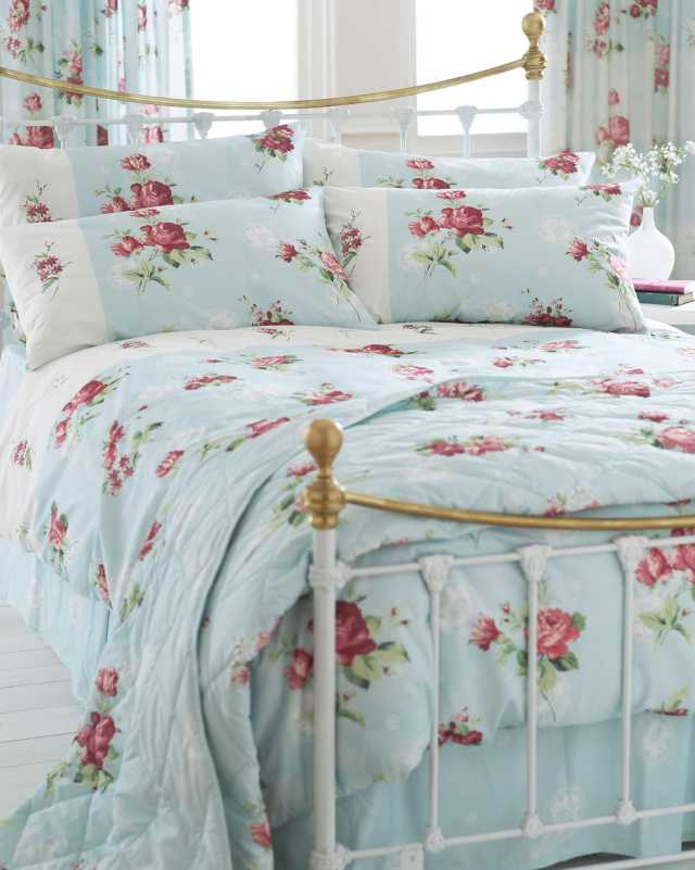 Pink Pillows and beddings