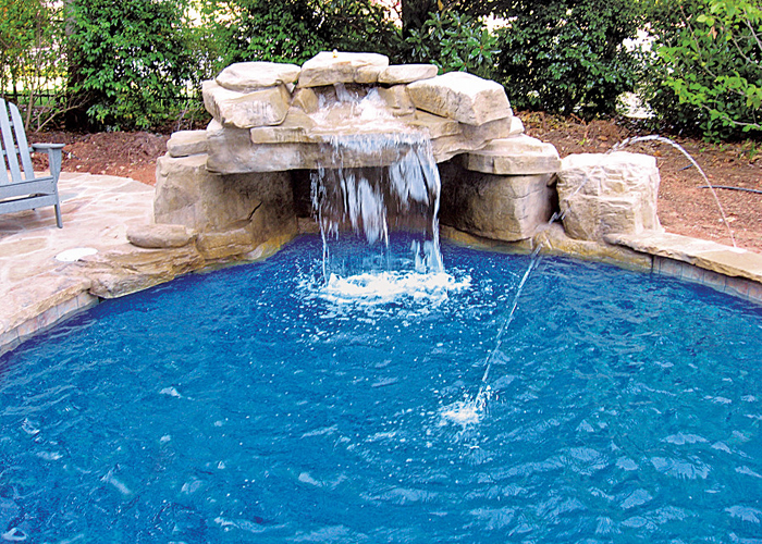 Modern-pool-waterfall-idea
