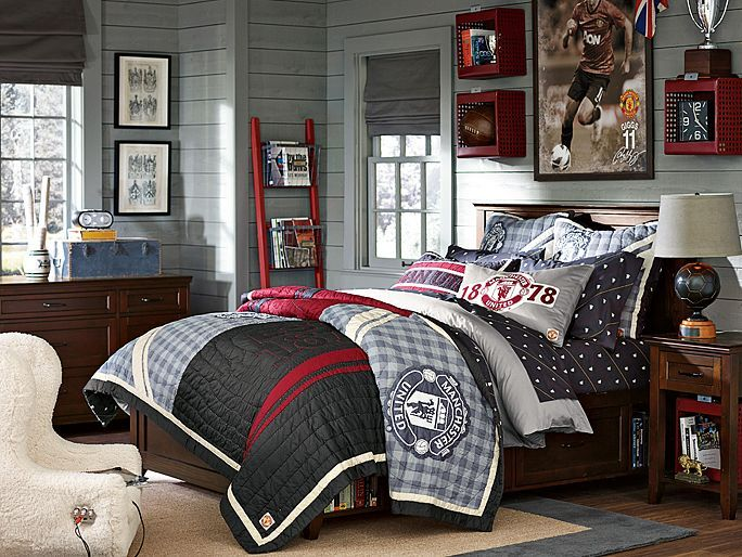 A well designed sports enthusiast bedroom for teenage boys
