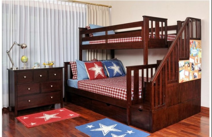 Wooden bunk beds may also look very manly on a teenage bedroom