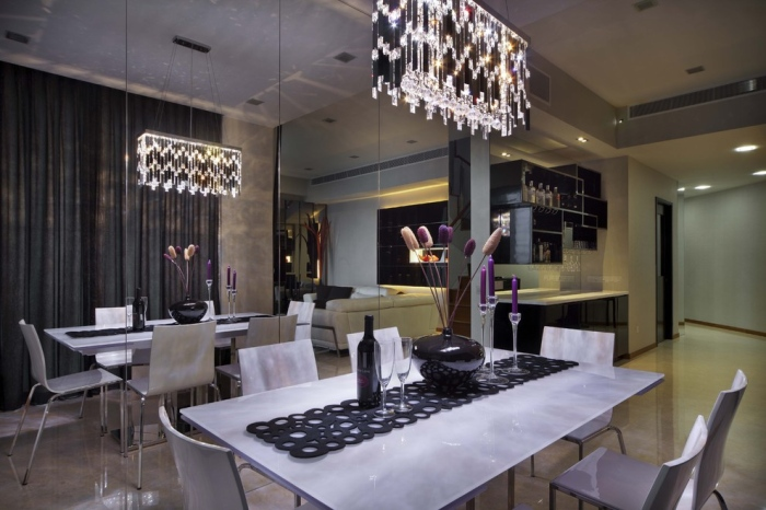 Dining-Room-With-Jingle-Like-Lights-From-Metal-And-Diamonds