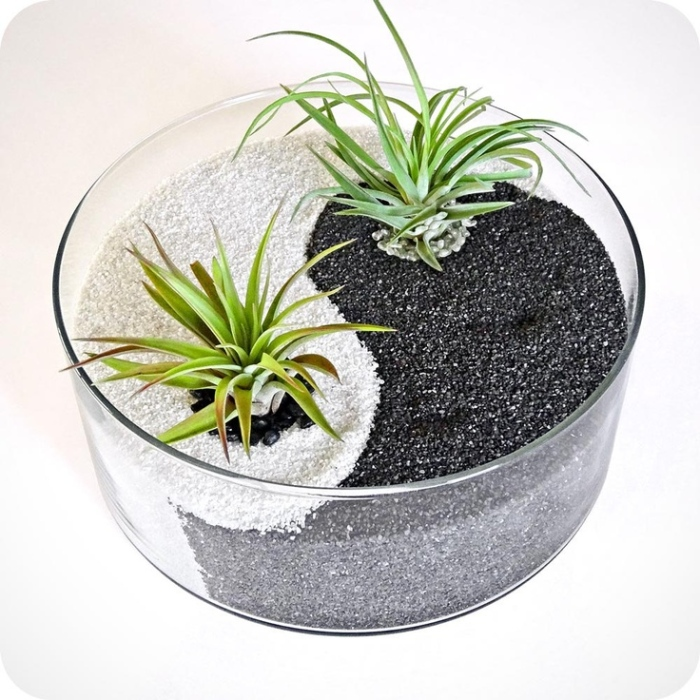 It is also easy to use sand as a material to your Zen inspired table centerpiece