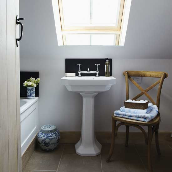 10 great ideas for small baths