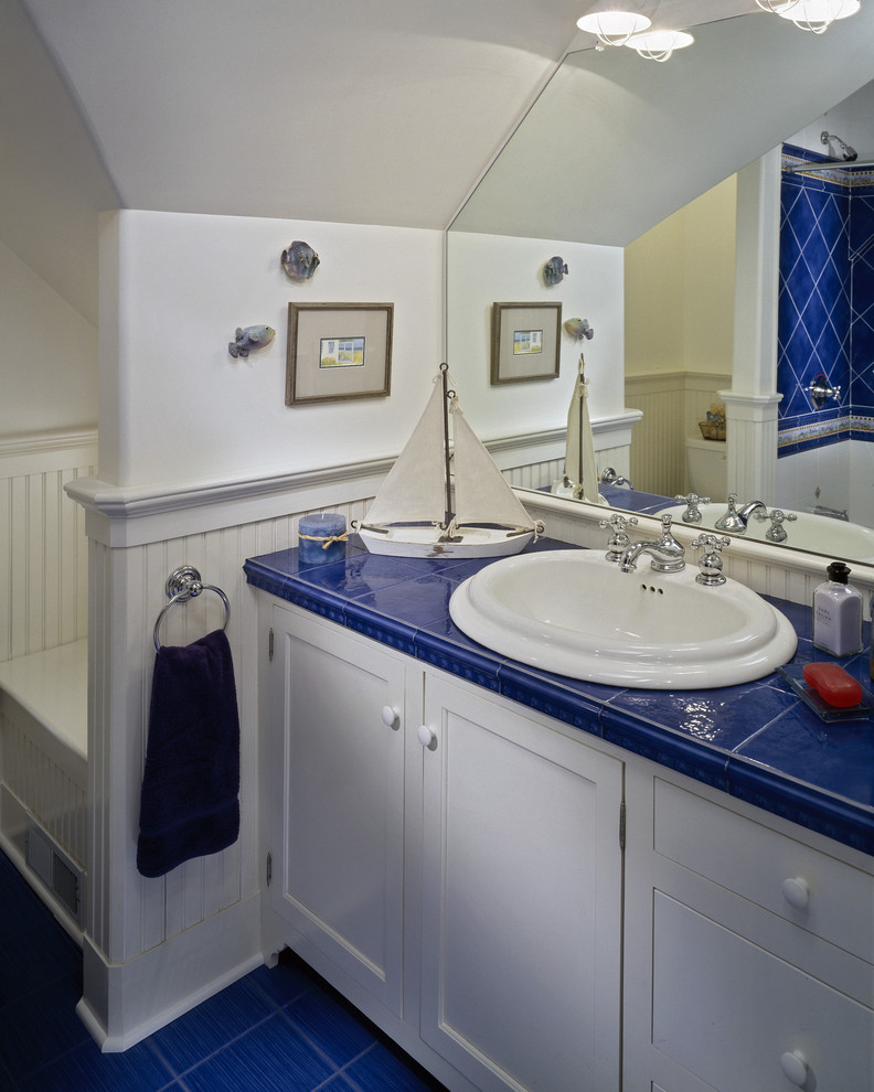 Designs For Small Spaced Bathrooms
