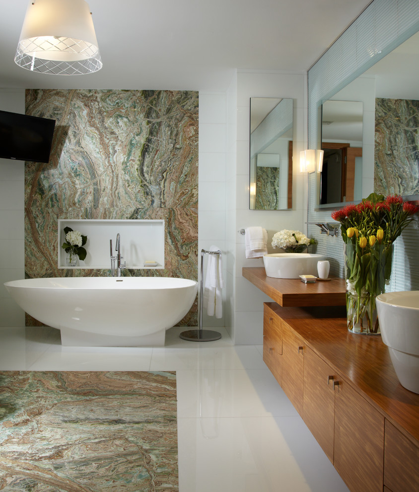 Tiny bathrooms with attractive interior designs for Contemporary interior designers