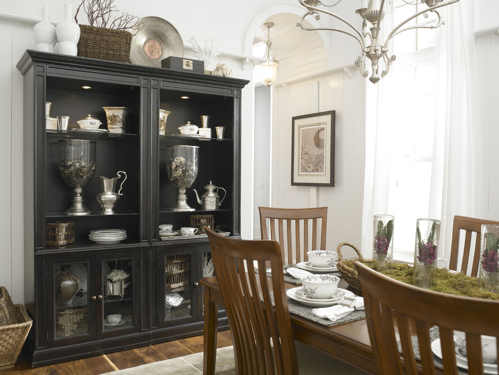 Wonderful ideas for dining room cabinets for Great dining room ideas