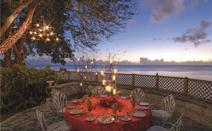 outdoor dining zone