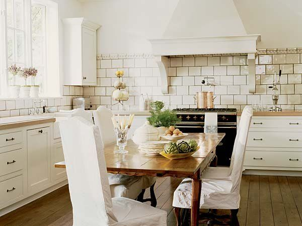 kitchen-subway-tiles-with-ambience-decor