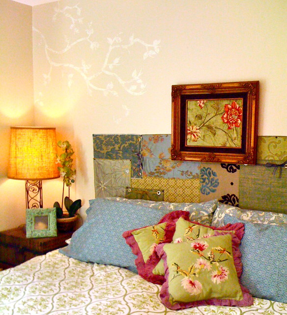 A nice yellow orange lamp in antique form can give such strong impact in your room