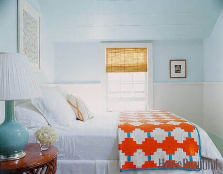 Blue and white free room design