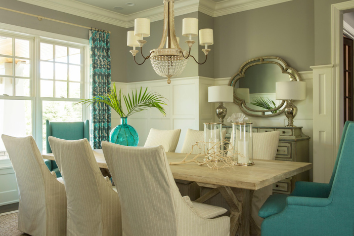 Opaque and opulence is the backdrop of the dining area