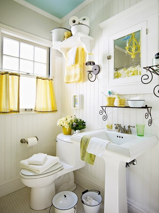 Small bathroom deocrating ideas for Pretty small bathroom ideas