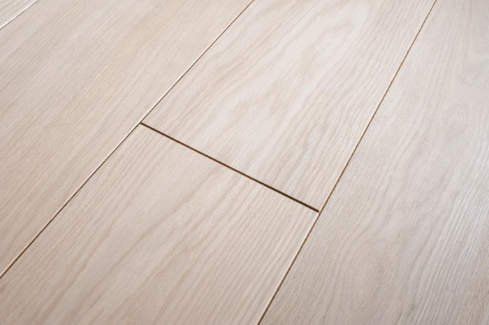 Engineered oak wood flooring material