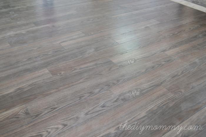 Installing laminate flooring material