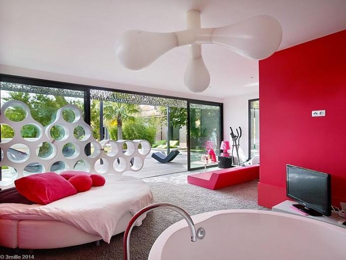 Modern sleek colorful bedroom design idea