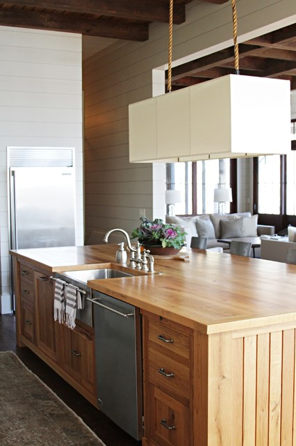 Elegant design for island kitchens for Elegant kitchen island designs