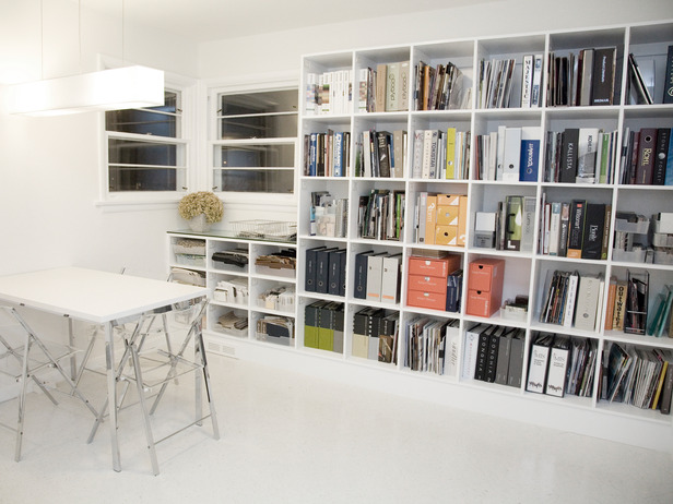 Contemporary white office with book shelves