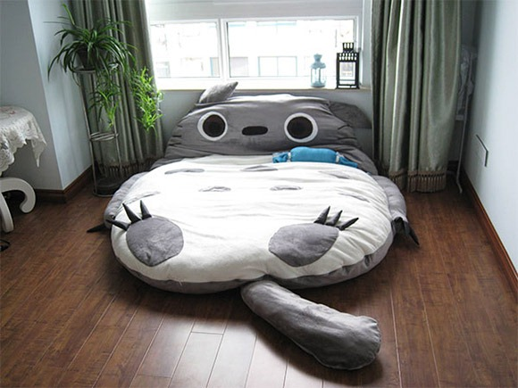 This bed both feels and looks fluffy