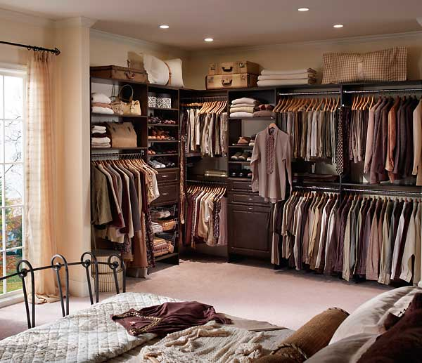 Small bedroom with a luxury of a full sized closet