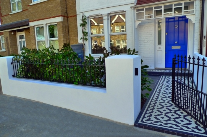 London front garden with potted plants