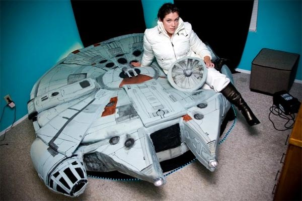 Millenium falcon bed design