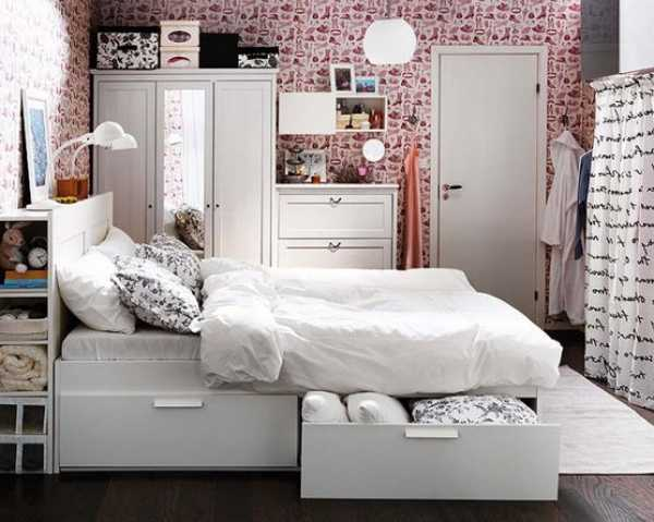 Furniture pieces for a small spaced bedroom for Space saver beds ikea