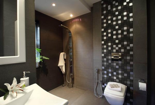 Classy small bathroom design