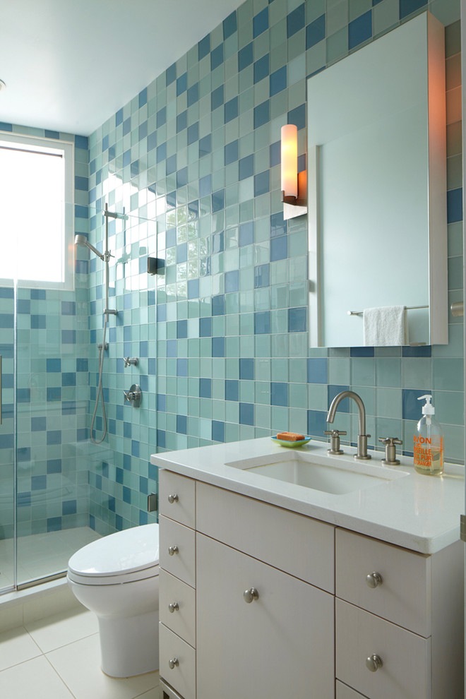 Small bathroom tile ideas pictures for Bathroom designs and colours